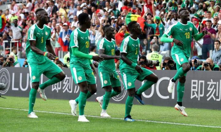 Niang.Mane.Senegal.esultanza.bizzarra.gruppo.2018.750x450